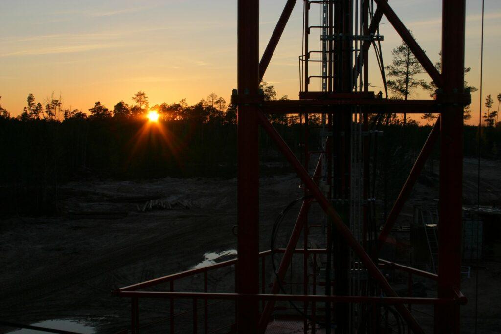 dark-sunset with towerframework in front